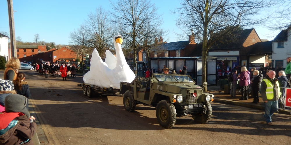 Giant Swan at the Buckingham Christmas Carnival